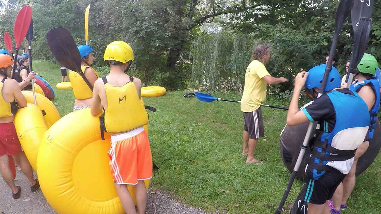 Tubing – mit dem Schlauch über den Fluss paddeln - Instruktionen