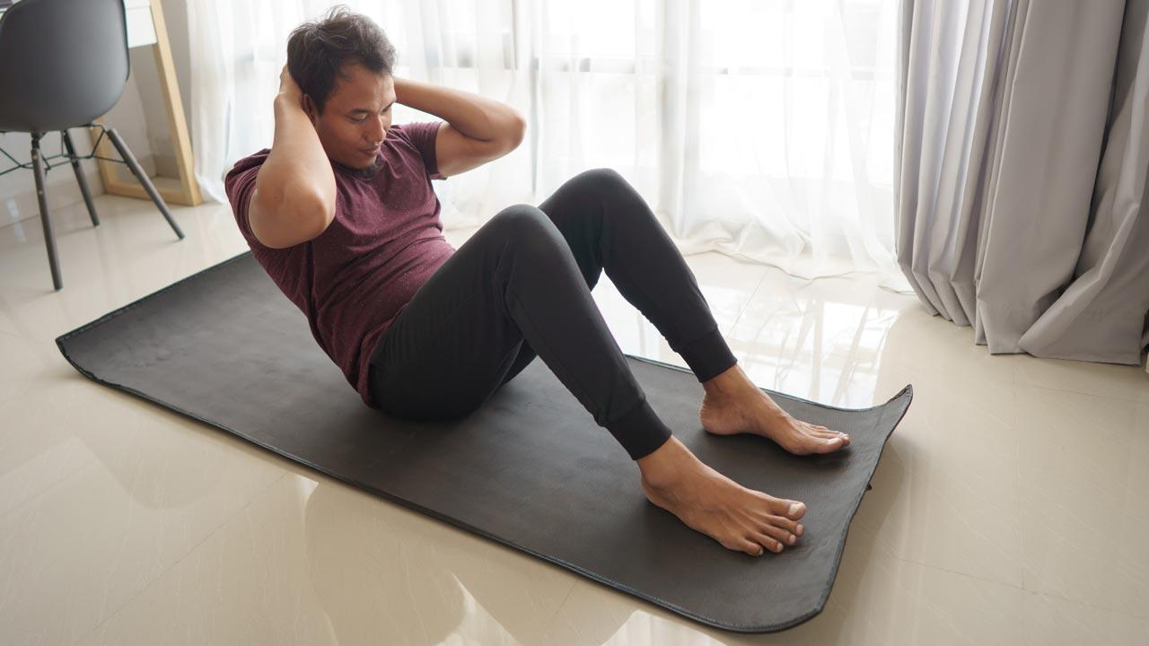Fitnessmöglichkeiten während dem Winter-Lockdown - Sit Up