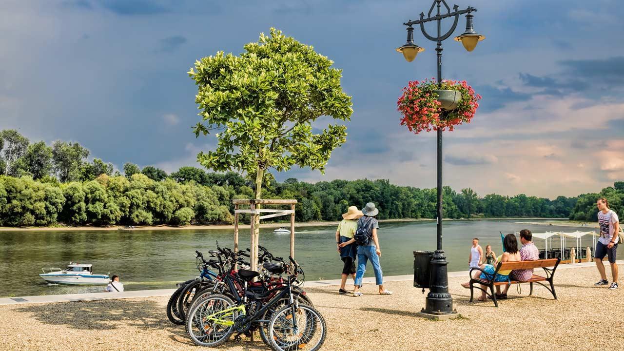 Fahrradtour an der Donau - Donauufer in Ungarn