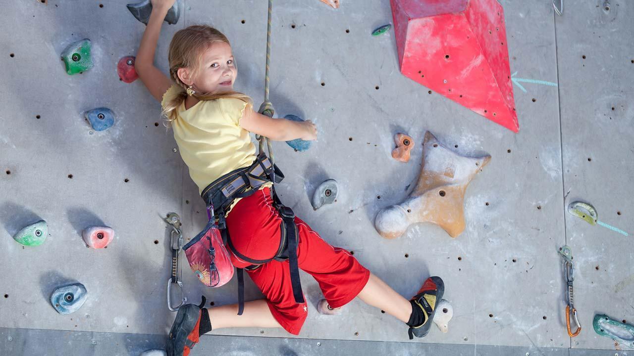 Bouldern - Klettern in der Halle - mit Kindern