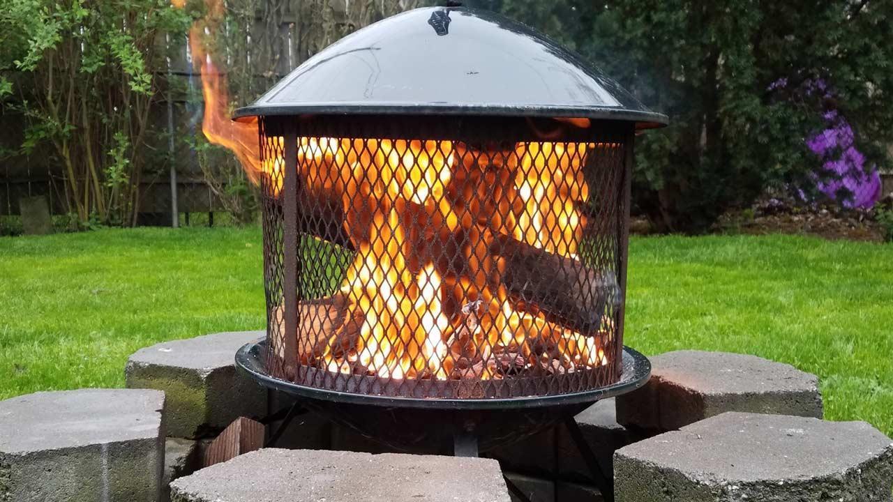 Terrassenfeuer bringt Stimmung am Abend - Feuerkorb