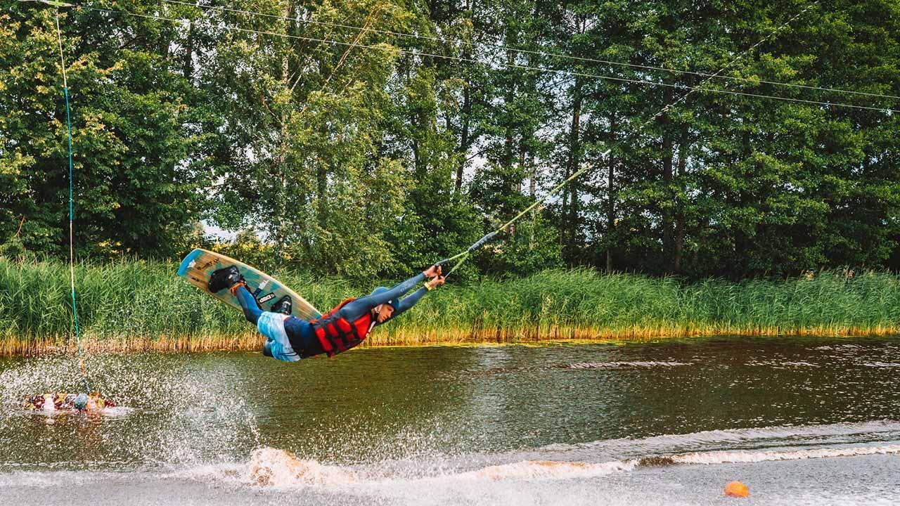 Wasserski & Wakeboard - Boardakrobatik