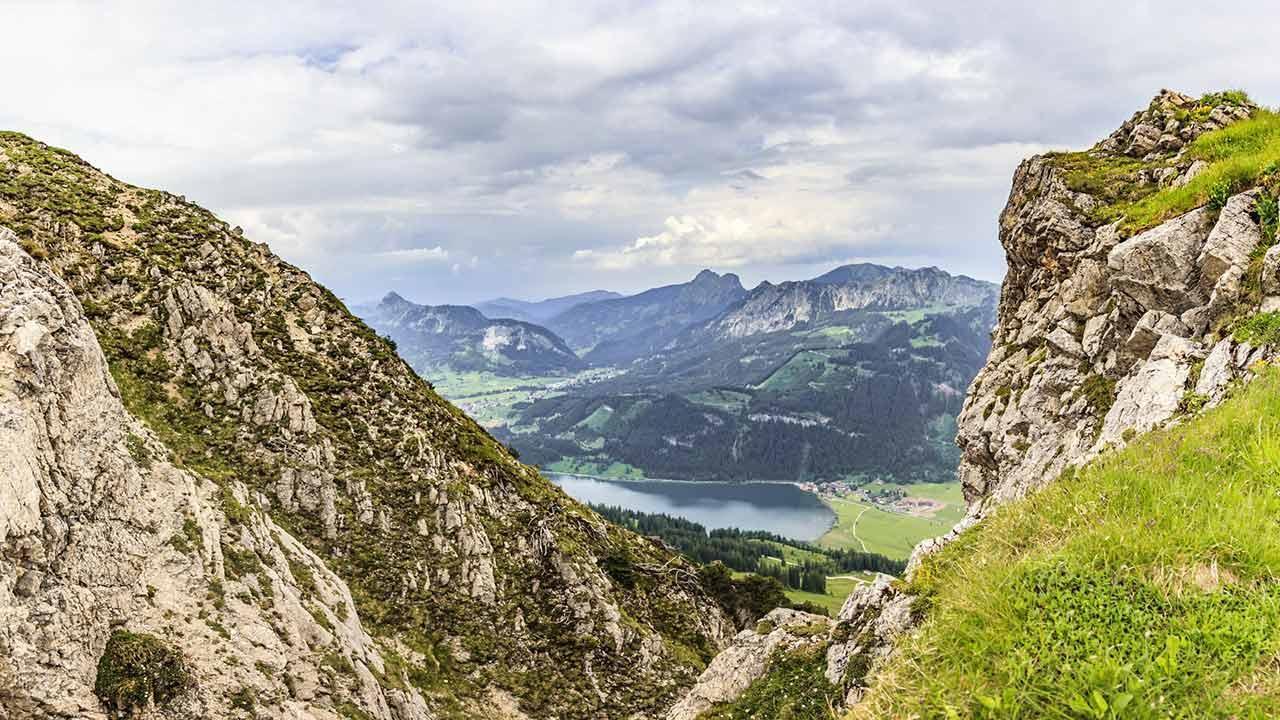 Die schönsten Wanderwege im Allgäu - Blick auf den Haldensee