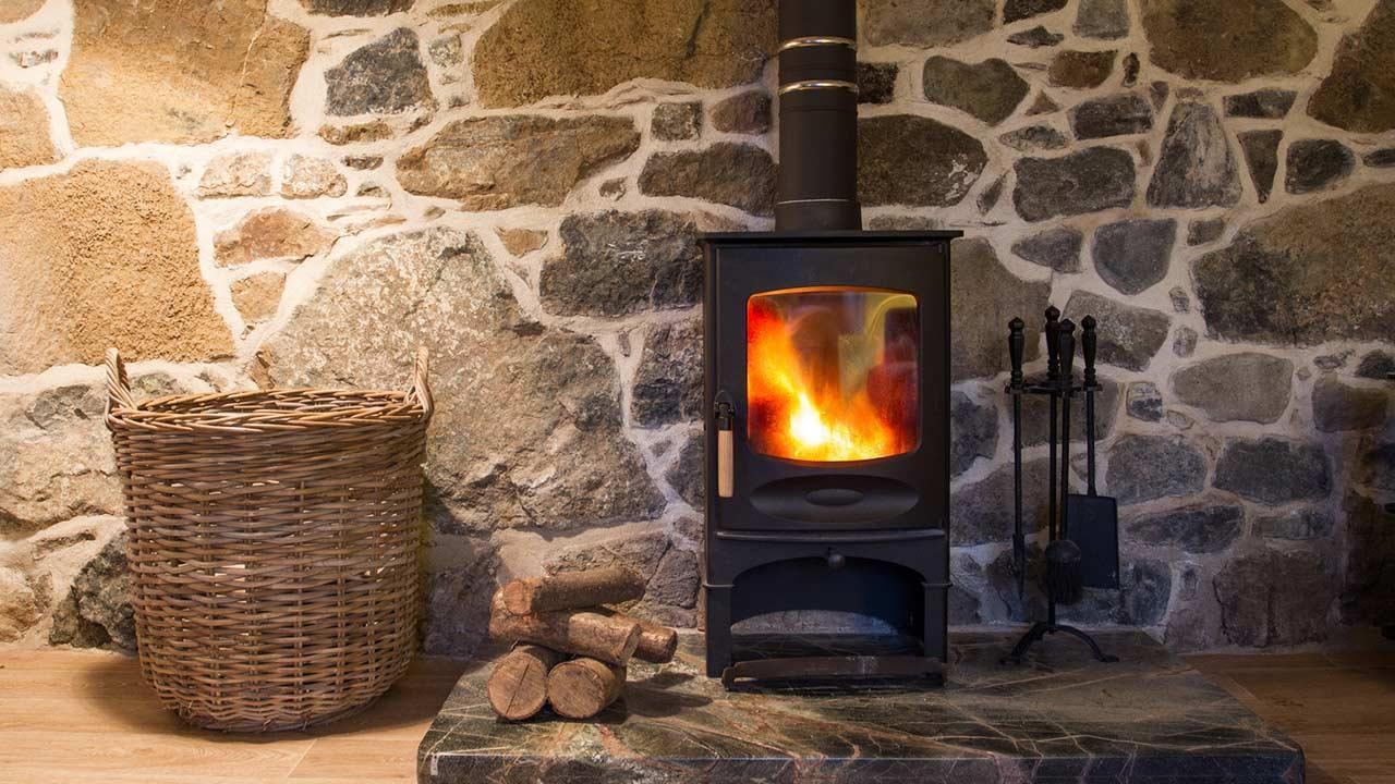 Ein Kaminofen im Haus sorgt für behagliche Wärme  - Schwedenkamin