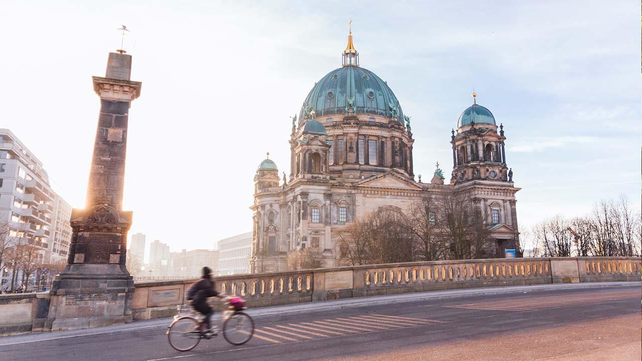 Mit dem Rad die Stadt erkunden: Berlin - Basilika