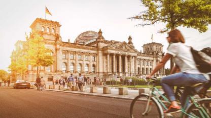 Mit dem Rad die Stadt erkunden: Berlin - Reichstag