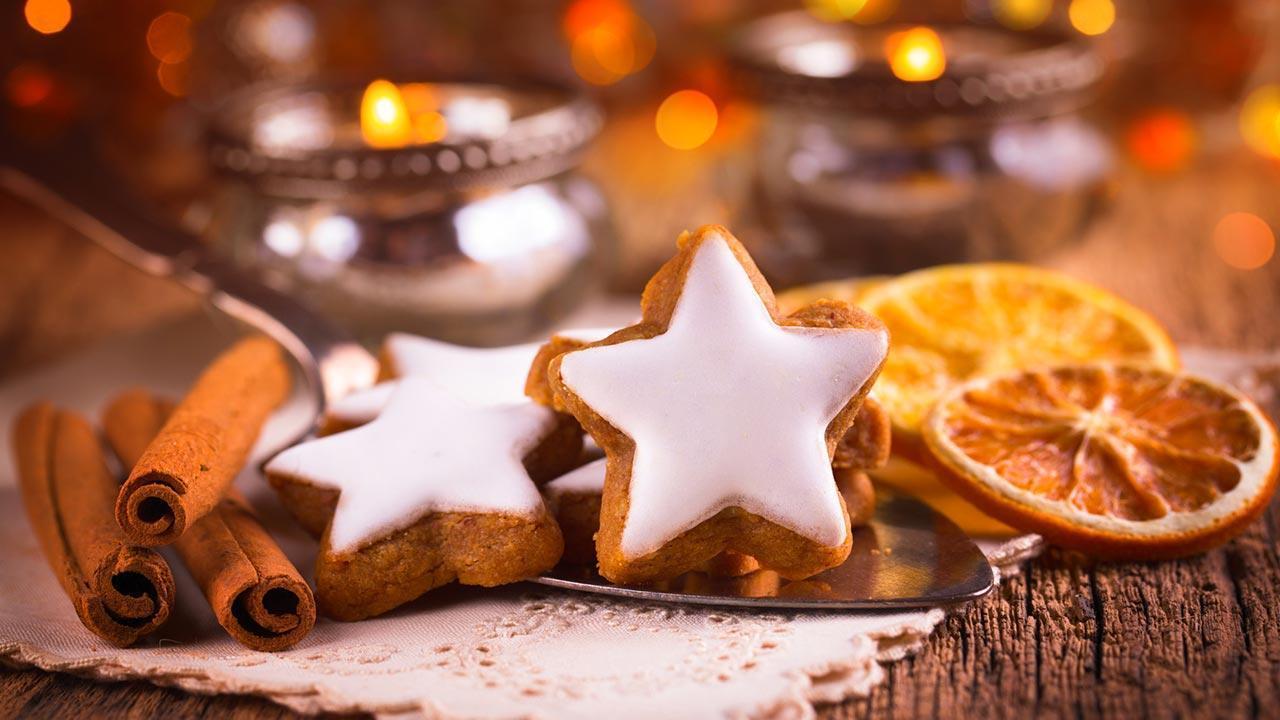 Leckere Weihnachtsbäckerei - Duftende Zimtsterne und Gewürze