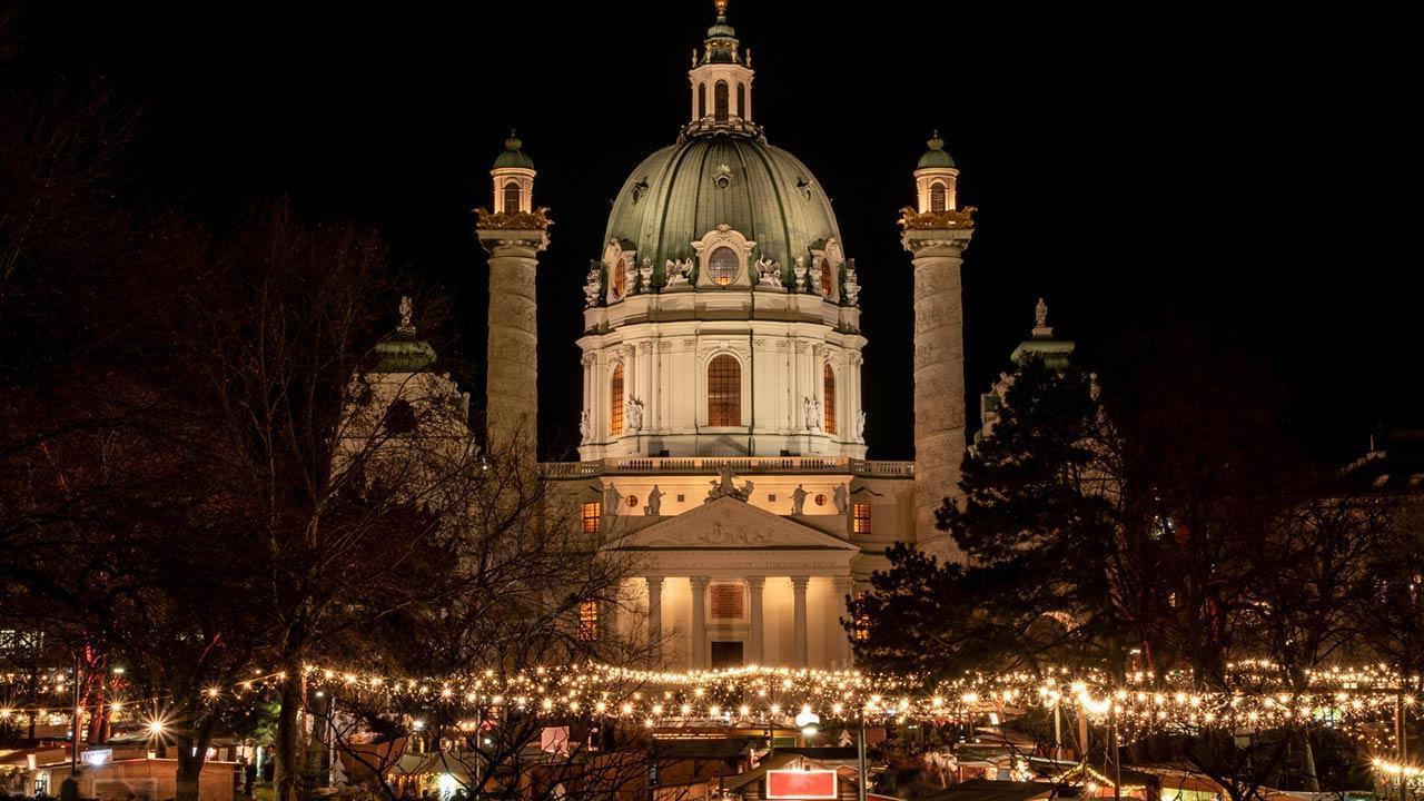 Besuchen Sie den Silvesterpfad in Wien - Karlkirche