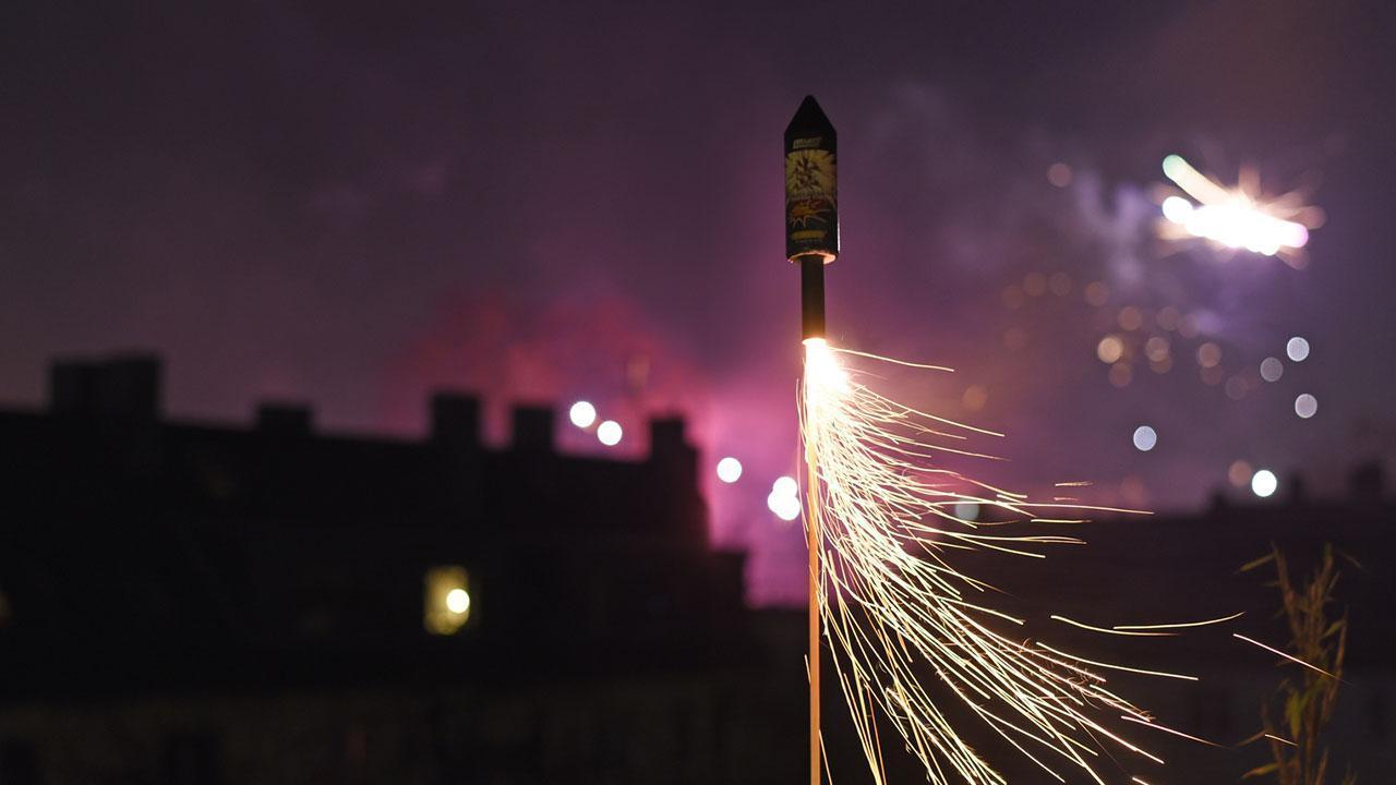 Privates Feuerwerk im Garten - Vor- und Nachteile - Raketen Start