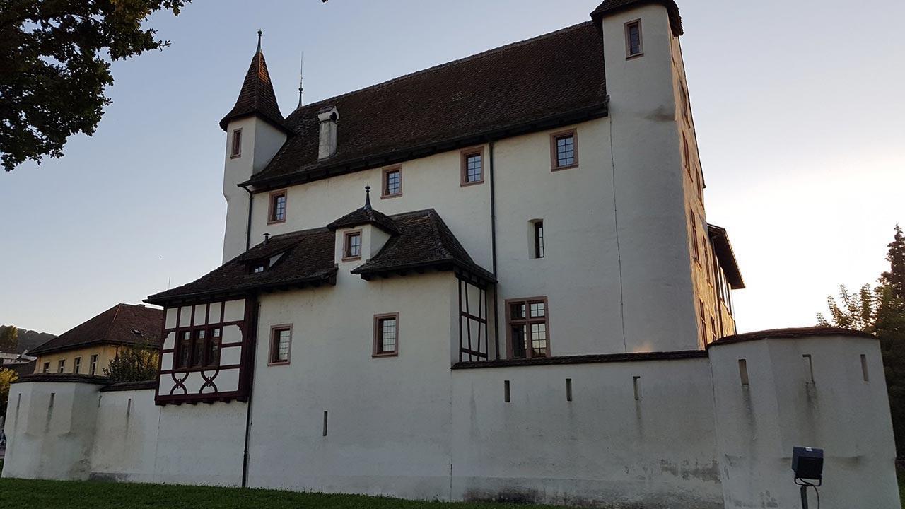 Die schönsten Erlebnisbäder in der Schweiz - Schloss Pratteln