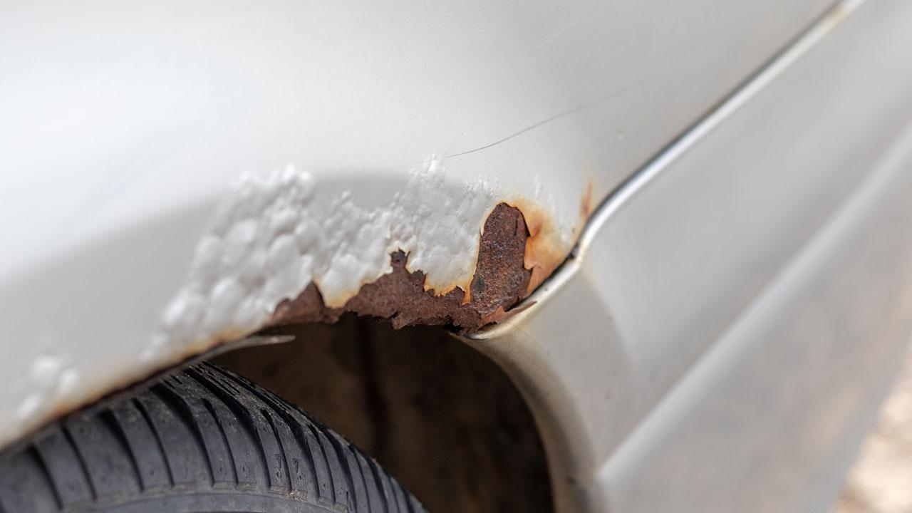 So schütze ich mein Auto vor Salzschäden - Salzschaden