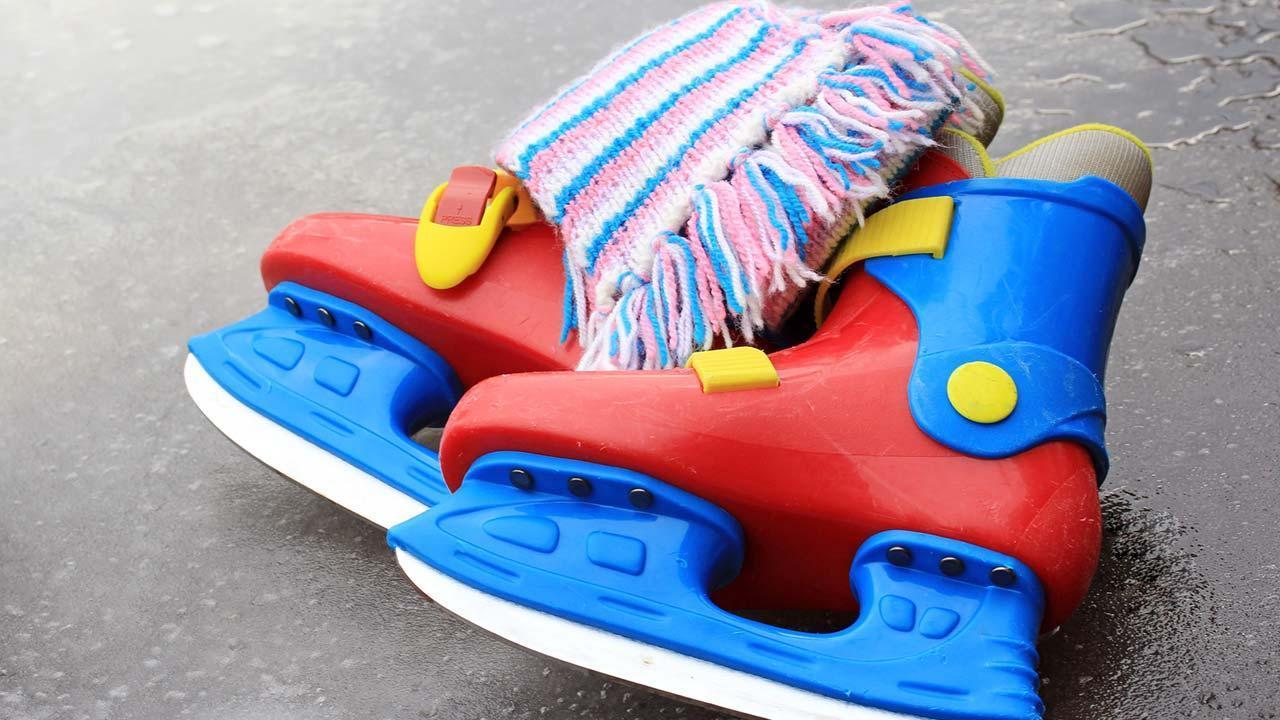 Eiskunstlaufschuhe oder Eishockeyschuhe - Vor- und Nachteile - Kinderschalenschuhe