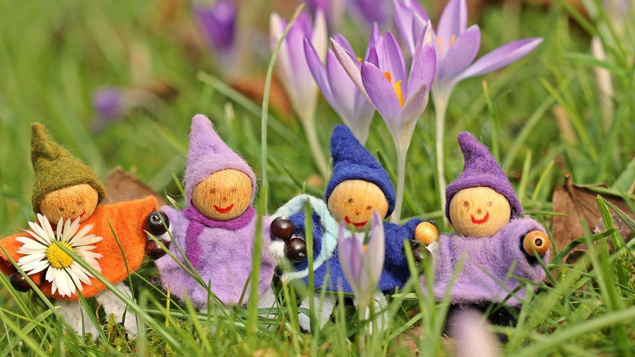 Basteln mit Kindern im Frühling - Pfeiffenreiniger Püppchen