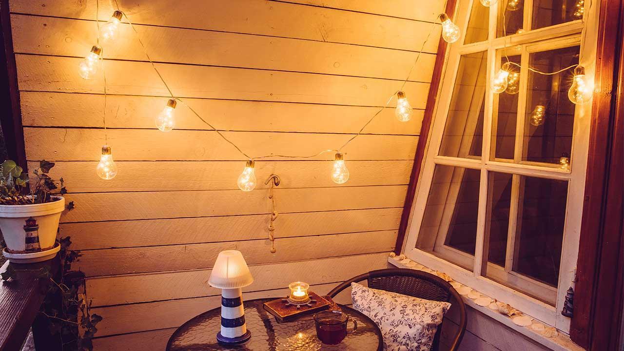 Gestalten Sie Ihren Balkon neu - Lichterketten