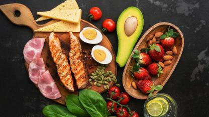 Abnehmen nach Atkins - wirksam oder ungesund - Lachs und Fleisch
