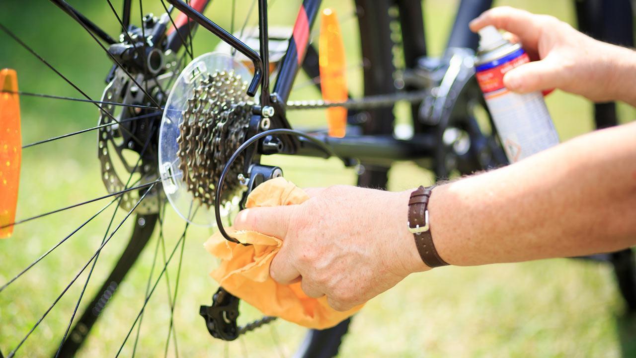 Fahrrad fit machen - Ketten schmieren