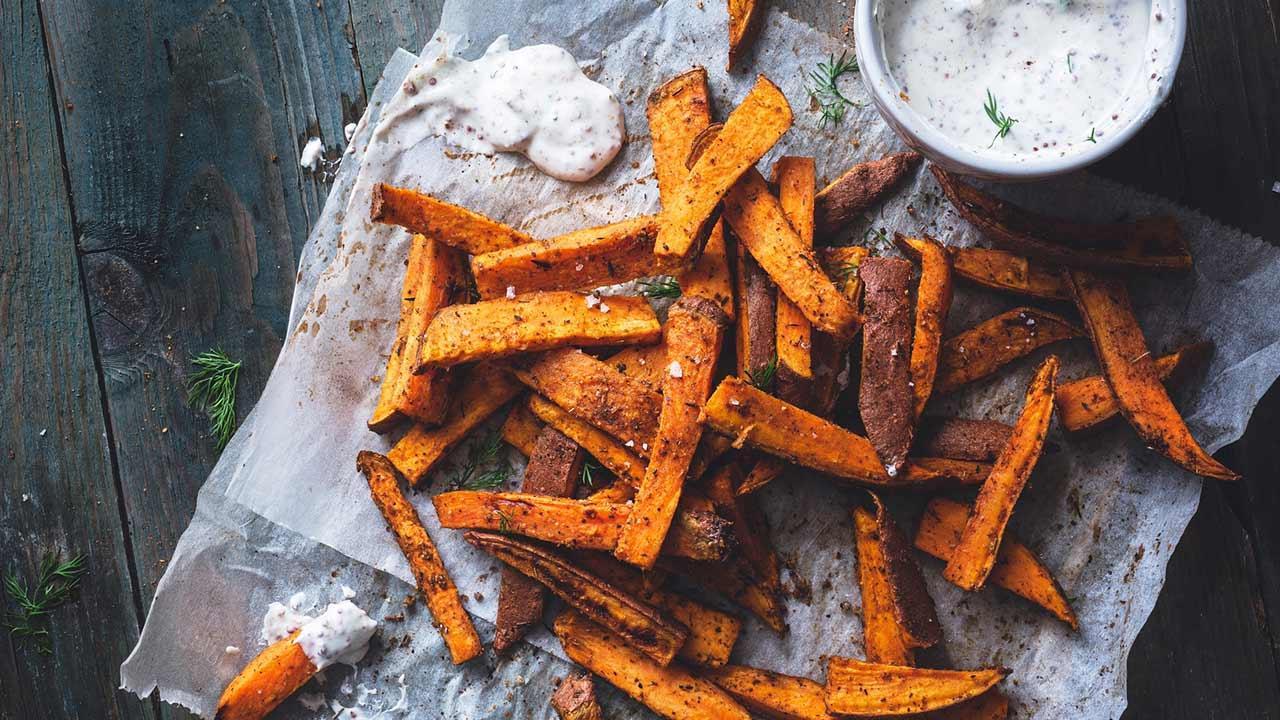 Fettarm frittieren mit der Heißluftfritteuse - knusprige Süsskartoffel
