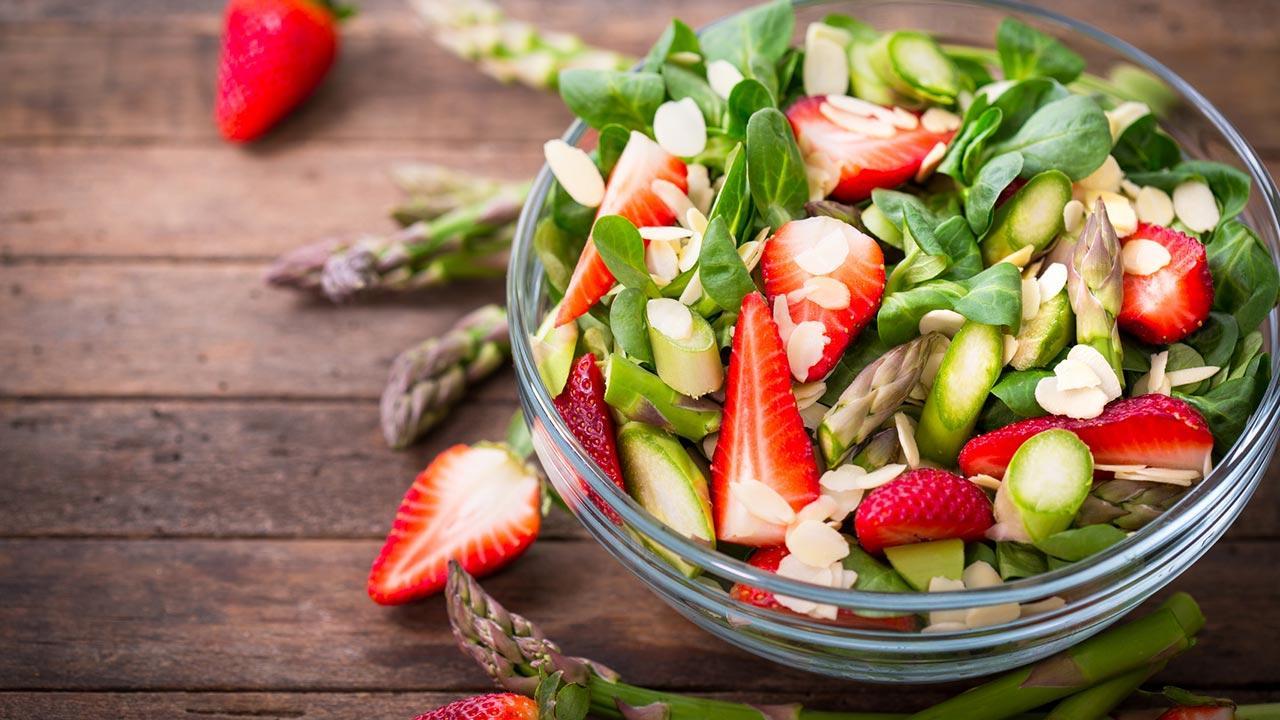 Leckere Rezepte mit Erdbeeren - Salat