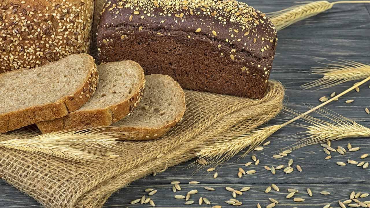 Backpulver - Weinsteinbackpulver oder herkömmliches Backpulver ? / frisch gebackenes Brot