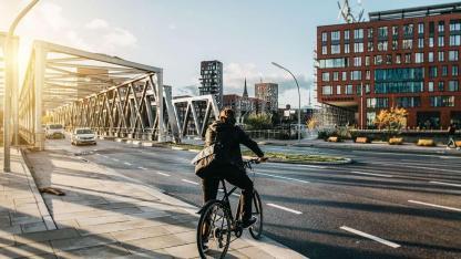 Sommerliches Radfahren in Hamburg