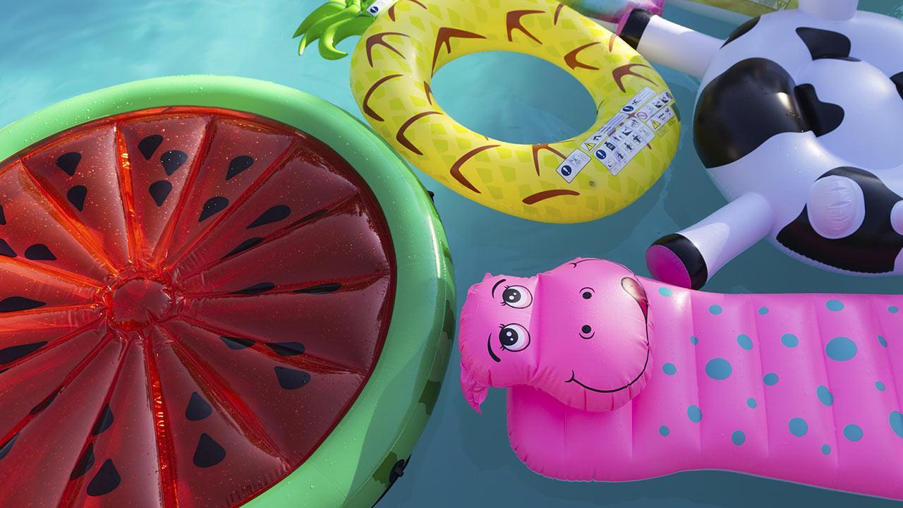 Kinder-Wasserspielzeug für den Garten / verschiedene Luftmatratzen