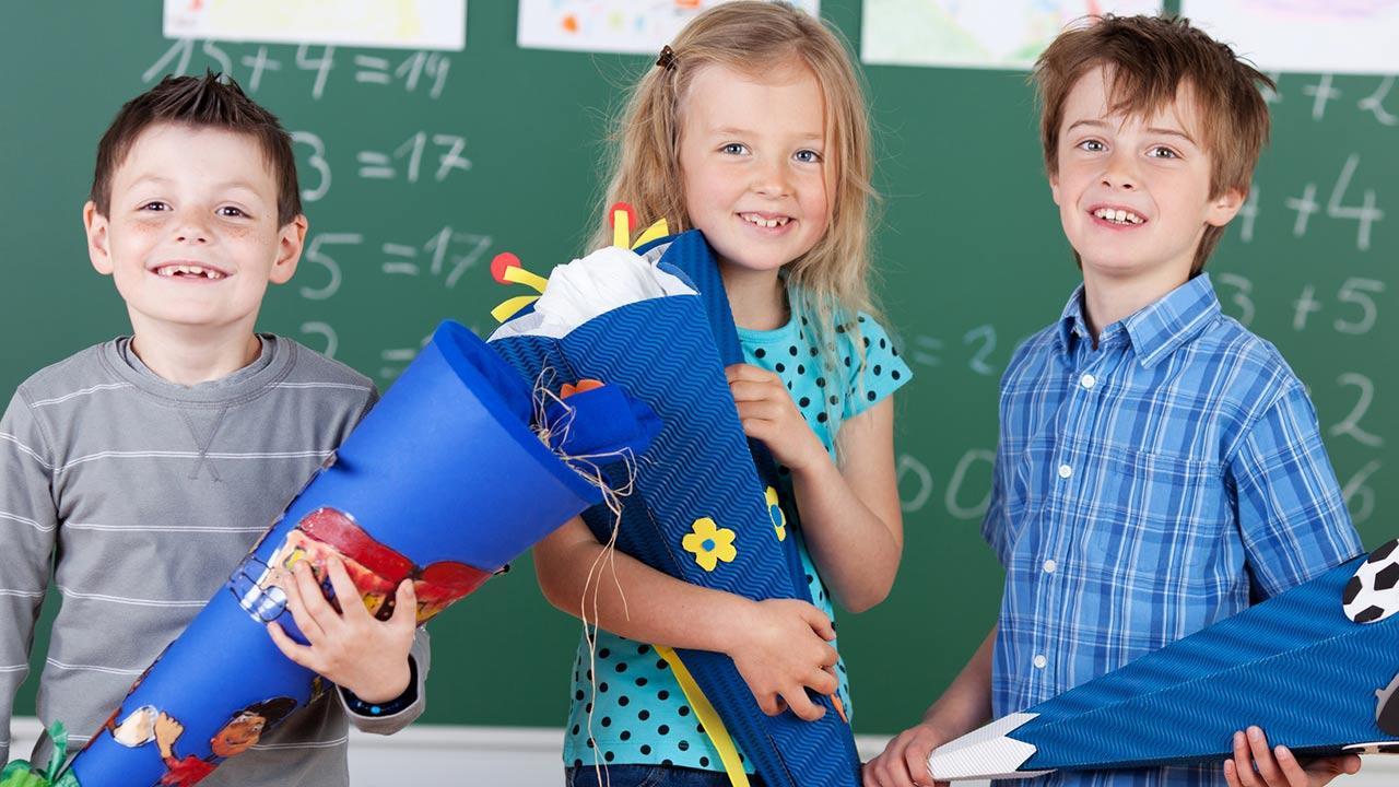 Eine Schultüte für mein Kind - basteln oder kaufen ? / Kinder mit ihren Schultüten