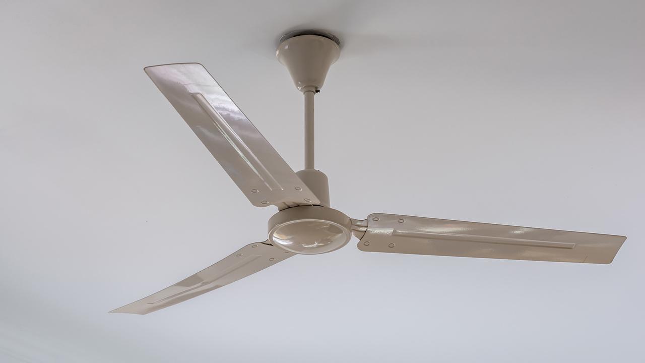 Welcher Ventilator bringt die beste Kühlung / ein Deckenventilator