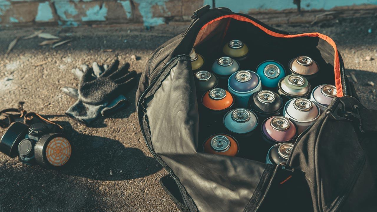 Graffiti - Einstieg in die Hobby-Malerei / Spraydosen, Handschuhe und Mundschutz