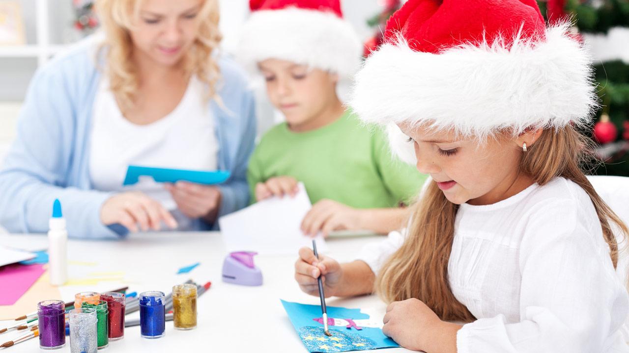 Basteln mit Kindern für Weihnachten / Kinder basteln Karte mit Farbe