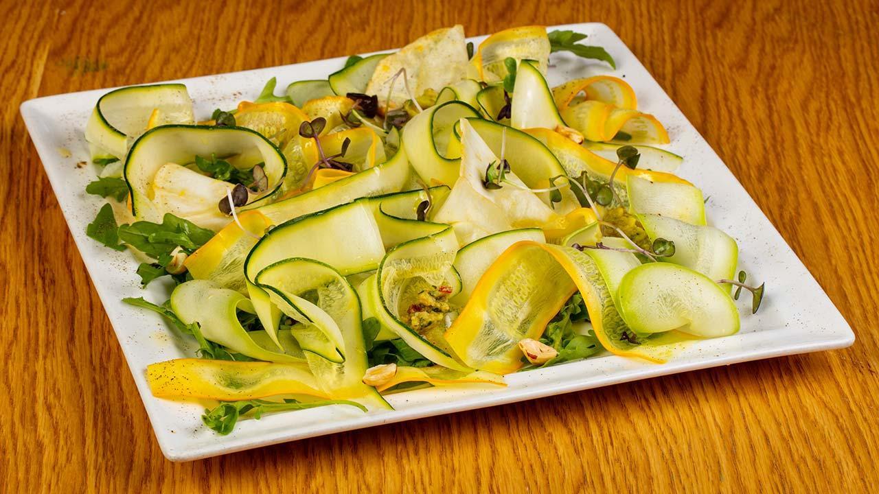 Veganer Valentinstag -  Zucchini-Carpaccio