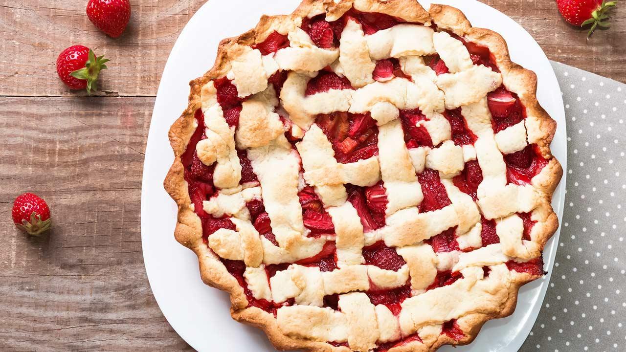 Köstliche Rhabarbar Rezepte - ein Rhabarbar Erdbeer Pie